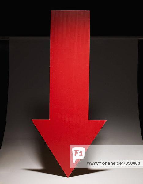 zeigen  rot  Pfeilzeichen  Pfeil  abwärts