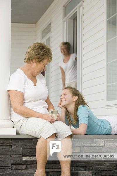 Großmutter Familie - Mensch Mutter und Tochter