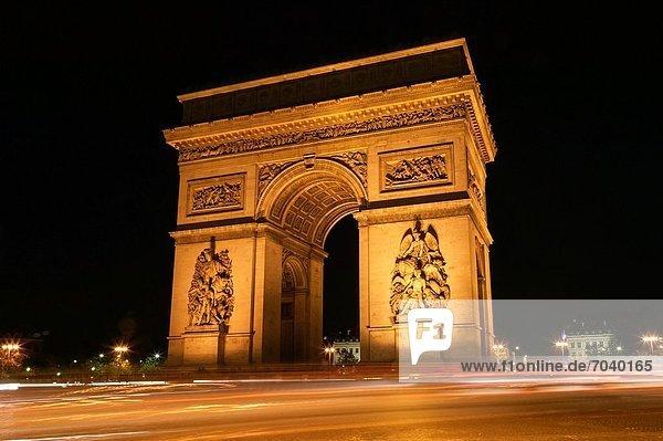 Paris  Hauptstadt  Frankreich  Nacht  Brücke  Straßenverkehr