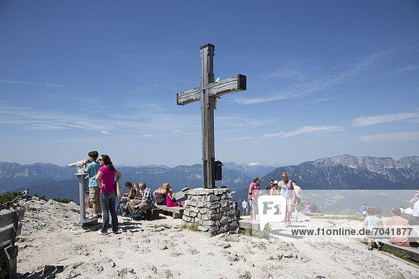 Kreuzgipfel  Aussicht vom Kehlsteinhaus auf die Alpen  Berchtesgadener Land  Bayern  Deutschland  Europa
