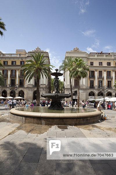 Platz Reial  PlaÁa Reial  Barcelona  Katalonien  Spanien  Europa  ÖffentlicherGrund