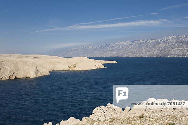 Felsenküste  Karstlandschaft  Ljubacka vrata  Insel Pag  Adria  Kvarner-Bucht  Kroatien  Europa