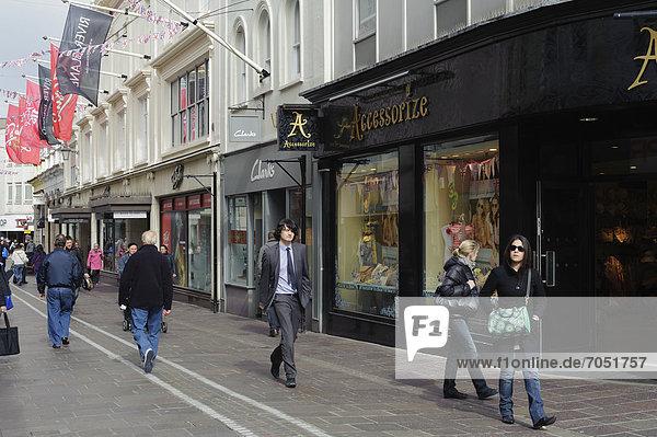 Einkaufsstraße King Street in St. Helier  Insel Jersey  Kanalinseln