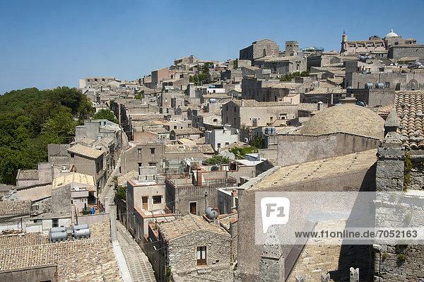Blick vom Glockenturm der Chiesa Madre  Altstadt  Erice  Sizilien  Italien  Europa