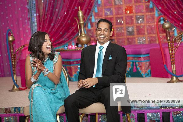 lachen  Hochzeit  Indianer