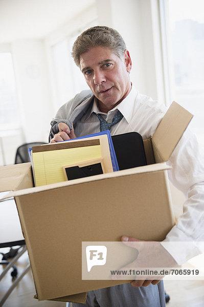 Pappschachtel  Pappkarton  arbeiten  verpacken  Büro
