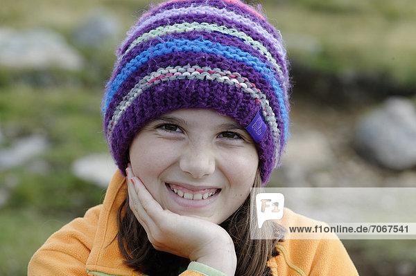 Girl wearing a wool cap  portrait