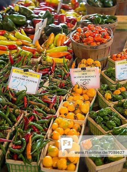 nahe  groß  großes  großer  große  großen  Landwirtin  verkaufen  Detroit  Innenstadt  Markt  Michigan