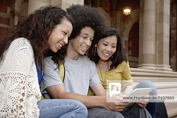 Zusammenhalt  sehen  Student  Tablet PC