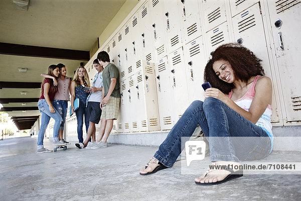 Portikus  Freundschaft  Schule  abhängen