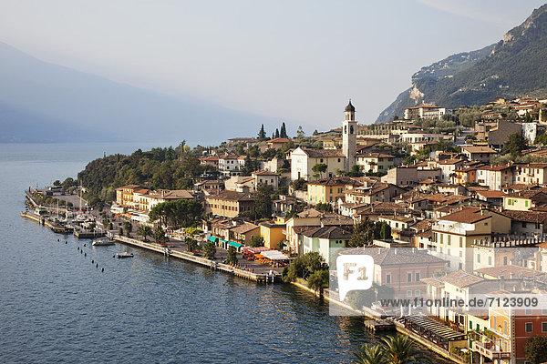 Europa  Urlaub  Reise  See  Alpen  Italien  Gardasee  Lombardei  Tourismus