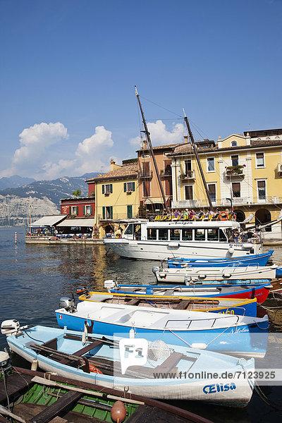 Europa  Urlaub  Reise  See  Alpen  Italien  Gardasee  Venetien  Tourismus