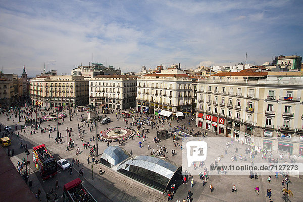 Spain  Europe  Madrid  architecture  busy  central  downtown  fountains  city  monument  people  skyline  square  symbol  touristic  bus