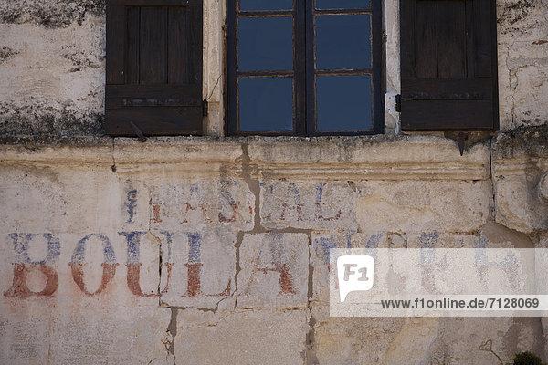 Frankreich  Europa  schreiben  Fassade  Dorf  Provence - Alpes-Cote d Azur  Handschrift  Lacoste  Luberon Frankreich ,Europa ,schreiben ,Fassade ,Dorf ,Provence - Alpes-Cote d Azur ,Handschrift ,Lacoste ,Luberon