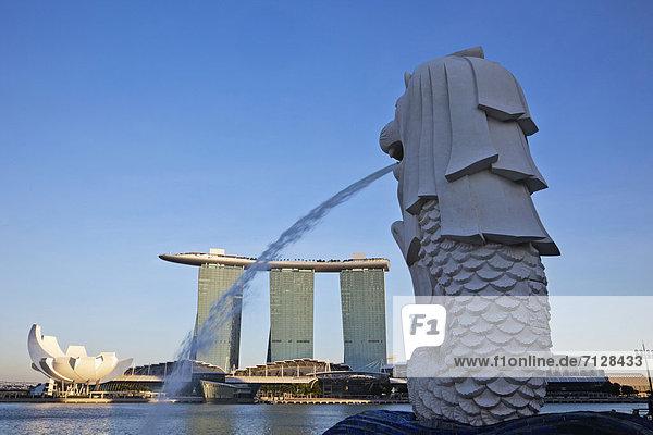 Urlaub  Reise  Hotel  Casino  Asien  Marina Bay Sands  Merlion  Merlion Statue  Singapur  Tourismus