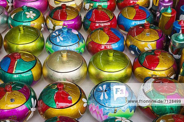 Schüssel  Schüsseln  Schale  Schalen  Schälchen  Urlaub  Reise  chinesisch  bunt  kaufen  Souvenir  Laden  Asien  Singapur  Tourismus