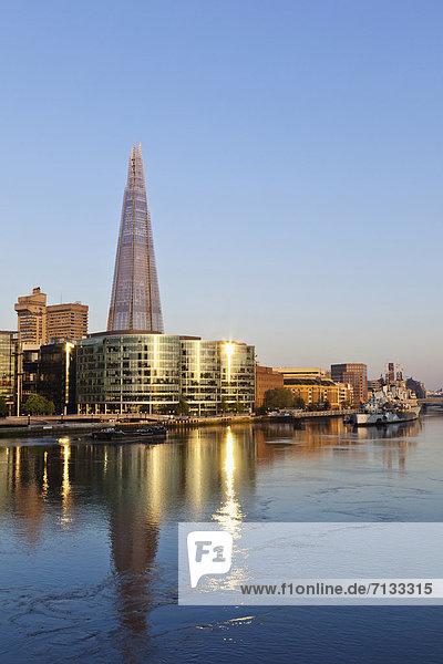 Skyline  Skylines  Europa  britisch  Großbritannien  London  Hauptstadt  Architektur  Hochhaus  Fluss  Themse  Glasscherbe  London Borough of Southwark  England  modern  The Shard