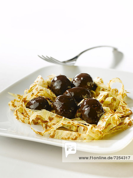 Tagliatelli†pancakes†and†chestnut chocolate