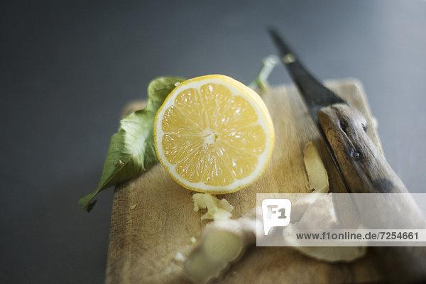 Zitrusfrucht  Zitrone  Ingwer