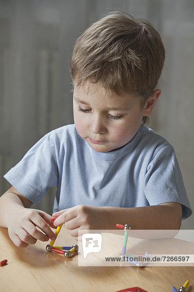 Form  Formen  Junge - Person  Spiel  jung  spielen Form, Formen ,Junge - Person ,Spiel ,jung ,spielen