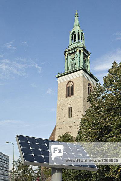 Kirche  frontal  Sonnenkollektor  Sonnenenergie  Tisch Kirche ,frontal ,Sonnenkollektor ,Sonnenenergie ,Tisch