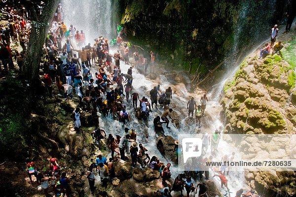 Westafrika  Tradition  Reise  heben  über  Produktion  üben  Religion  Wasserfall  Karibik  Pilgerer  antik  Haiti