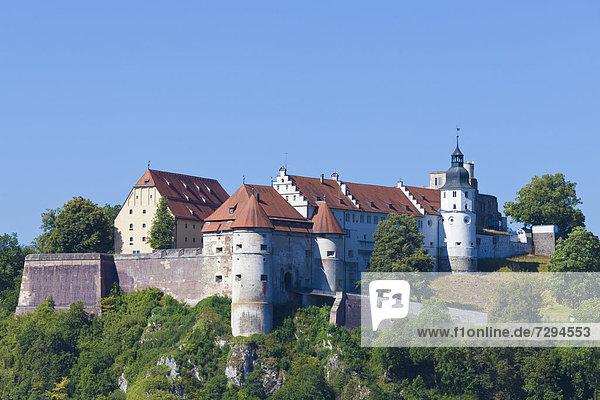 Deutschland  Baden Württemberg  Blick auf Schloss Hellenstein bei Heidenheim an der Brenz