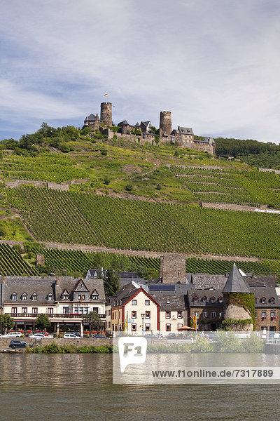 Europa Palast Schloß Schlösser Hügel frontal Dorf Deutschland Rheinland-Pfalz