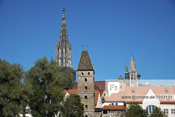 Europa über Ansicht Donau Baden-Württemberg Bayern Deutschland Metzgerturm Klosterkirche Schwaben Ulm