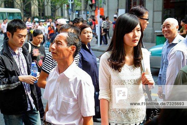 Städtisches Motiv Städtische Motive Straßenszene Straßenszene Frau Mann Tag Fußgänger China Shanghai