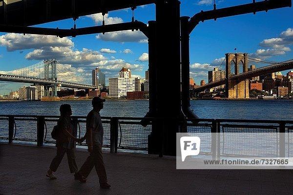 Vereinigte Staaten von Amerika  USA  Chinatown  China Town  New York City  Brooklyn Bridge