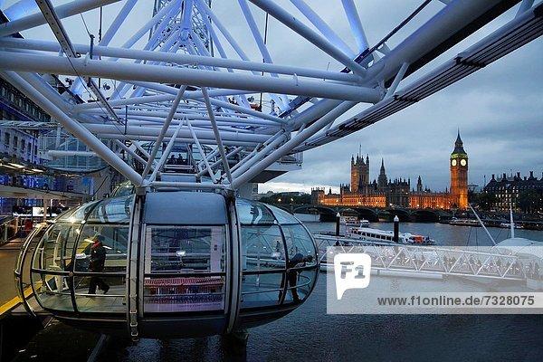Großbritannien  hoch  oben  groß  großes  großer  große  großen  bauen  City of London  rad  Jahr