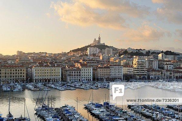 Hafen Frankreich Europa Morgendämmerung Basilika Marseille alt