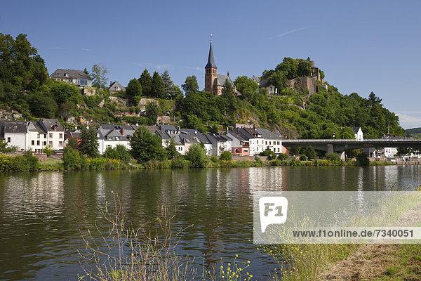 Europa Palast Schloß Schlösser Großstadt Ruine Ansicht Deutschland Rheinland-Pfalz Saarburg