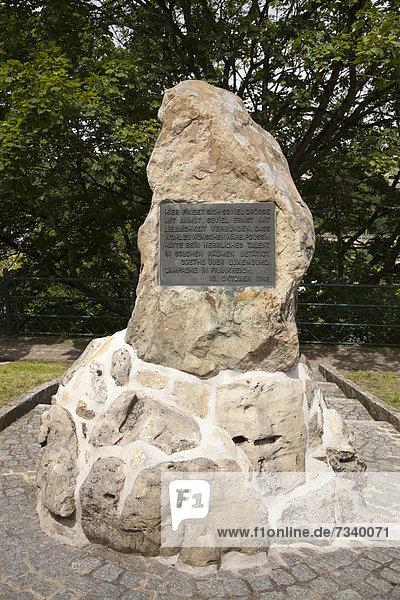 Goethe-Gedenkstein erinnert an den Luxemburg-Aufenthalt Goethes 1792  Stadt Luxemburg  Luxemburg  Europa  ÖffentlicherGrund