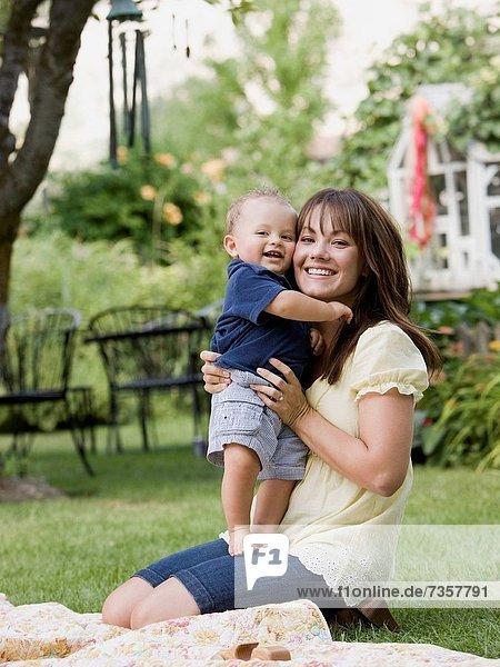 Sohn  Garten  Mutter - Mensch  Baby