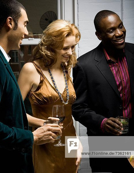 junge Frau junge Frauen Mann Party 2