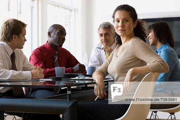 Portrait  Geschäftsfrau  Besuch  Treffen  trifft  Kollege