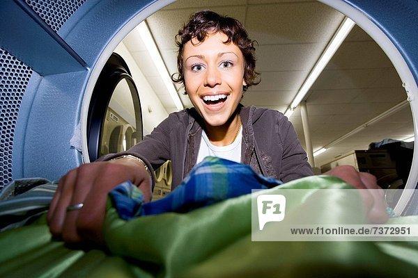 Föhn  Frau  Kleidung  innerhalb  entfernen  entfernt  Waschsalon