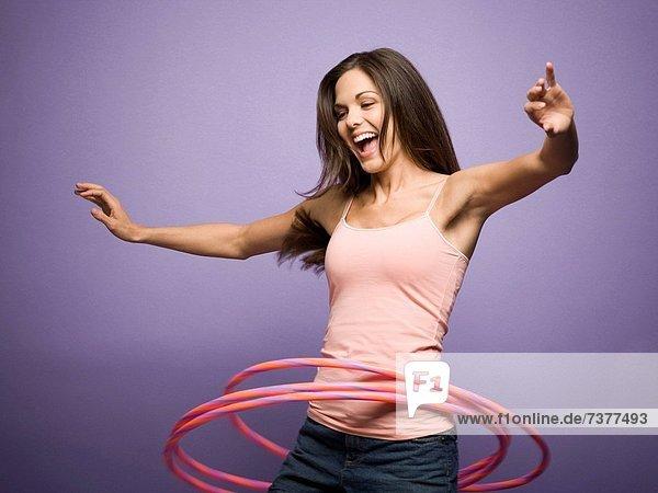 Basketballkorb  Korb  Frau  tanzen  spielen