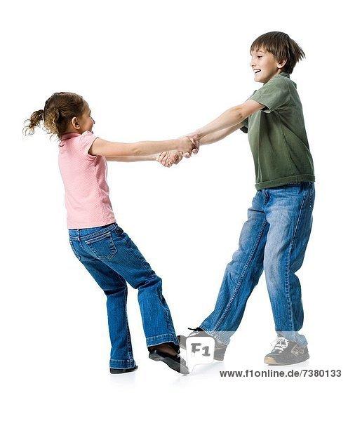 Junge - Person  Schwester  spielen