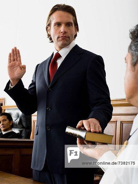 über  Fluchen  Bibel  Trauzeuge