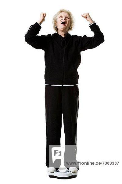 Waage - Messgerät  Frau  Badezimmer  Gewicht  alt