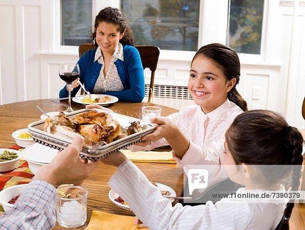Abendessen  lächeln  Tisch