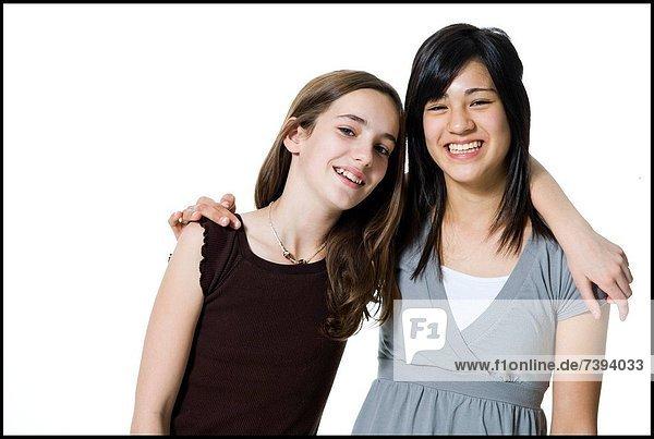 lachen  umarmen  2  Mädchen