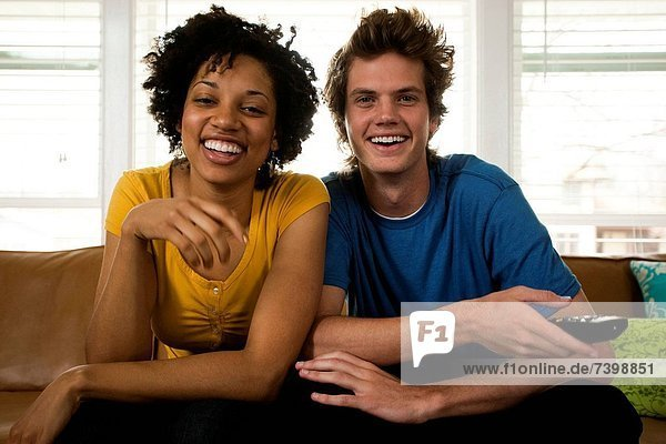 Vereinigte Staaten von Amerika  USA  sehen  Zimmer  Fernsehen  jung  Wohnzimmer  Utah