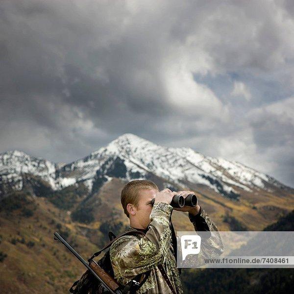 Mann  Landschaftlich schön  landschaftlich reizvoll  Jagd