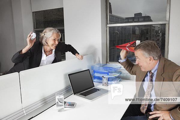 Büro  Spiel  Ansicht  Kollege  Seitenansicht  Business