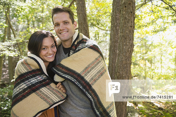 Porträt Paares im Wald