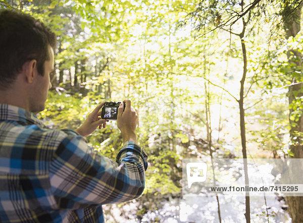 Mann  Fotografie  nehmen  Wald